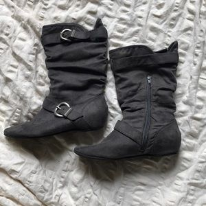 Shoes - Slouchy boots